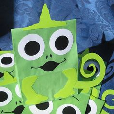 Lizard Treat Sacks Chameleon Reptile Theme Birthday Party Favor Bags by jettabees on Etsy. $15.00, via Etsy.