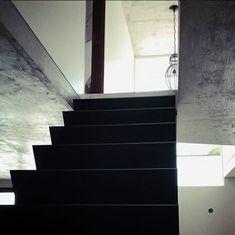 estudio topazio (@estudiotopazio) • Fotos e vídeos do Instagram Foto E Video, Stairs, Interior, Instagram, Home Decor, Houses, Photos, Indoor, Stairway