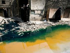 Water pollution, toxic chemical use and textile waste: fast fashion comes at a huge cost to the environment Pollution Environment, Ocean Pollution, Fashion Installation, Water Waste, Textile Industry, Walk Past, Textiles, Shed Plans, Fast Fashion