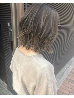 the hair color Short Hair Trends, Short Wavy Hair, Hair Color Asian, Cool Hair Color, Hairstyles For Round Faces, Bob Hairstyles, Trendy Hairstyles, Medium Hair Styles, Short Hair Styles