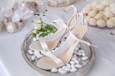 Postaw na wygodne buty na ślub i wesele! Wygodne buty dla Panny Młodej! - Przeczytasz w: < 1 minutaPrzeczytasz w: < 1 minuta  - https://www.slubi.pl/blog/postaw-na-wygodne-buty-na-slub-i-wesele/