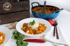 Le Creuset heeft een nieuwe pan: de Balitdish. Ideaal om de meest lekkere curry's te maken. Ga snel naar www.paleo-lifestyle.nl voor dit curry recept. Garam Masala, Thai Red Curry, Paleo, Low Carb, Ethnic Recipes, Lifestyle, Le Creuset, Beach Wrap, Paleo Diet