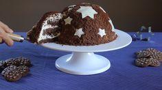 """La torta Pan di Stelle è un dolce goloso e """"scenico"""", da portare in tavola la notte di San Lorenzo per stupire i tuoi ospiti. Scopri la ricetta!"""