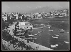 Το λιμάνι της Ζέας (Πασαλιμάνι), σε πρώτο πλάνο ο Όμιλος Ερετών, δεκαετία 1940.