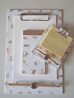Ein neues Papier, das ich sofort mochte, war das mit den Mäuschen. Es ist einfach herzallerliebst... Für die vielen kleinen Dinge, die im Alltag festgehalten werden sollen. In der Küche, neben dem Tel