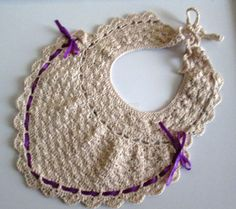 Crochet Baby Bib---WOULD LOVE TO BUILD UP THE SKILL TO DO THIS!
