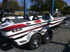 2017 Bass Cat Boats Eyra