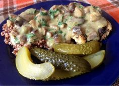 Breast of chicken with buckwheat and mushroom sauce and pickled cucumber #cooking #diet #fit #dinner #mushrooms #chicken breast #buckwheat