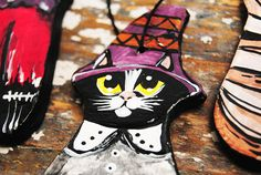 Black cat ornament Folk art cat ceramic figurine Halloween Folk Art, Ceramics, Ornaments, Trending Outfits, Halloween, Unique Jewelry, Handmade Gifts, Cats, Vintage