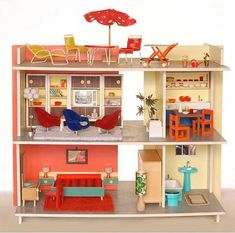 amazing.  I have a doll house that isn't decorated yet.  this is my inspiration, maybe it'll be done by the time the kids are 20.