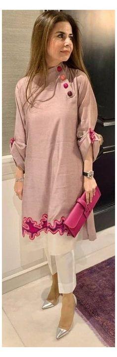 Plain Kurti Designs, Simple Kurta Designs, New Kurti Designs, Kurta Designs Women, Kurti Designs Party Wear, Pakistani Fashion Casual, Simple Pakistani Dresses, Pakistani Dress Design, Kurti Pakistani