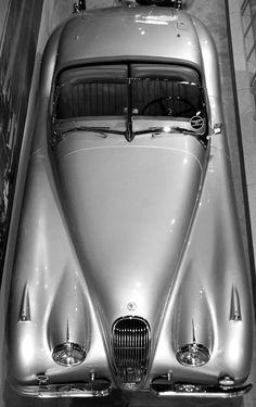 Throughout the early stages of the Jaguar XK-E, the lorry was supposedly planned to be marketed as a grand tourer. Changes were made and now, the Jaguar … Jaguar Roadster, Jaguar Cars, Jaguar Type, Jaguar Xk120, Maserati, Lamborghini, Ferrari, Vintage Cars, Antique Cars