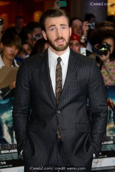 Chris Evans The UK premiere of Captain America: The Winter Soldier at Westfield http://www.icelebz.com/events/the_uk_premiere_of_captain_america_the_winter_soldier_at_westfield/photo18.html