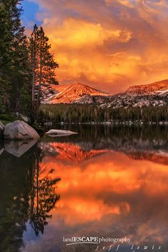 Sunset alpenglow and reflections, Lower Young Lake, Yosemite National Park (© landESCAPE photography | Jeff Lewis)