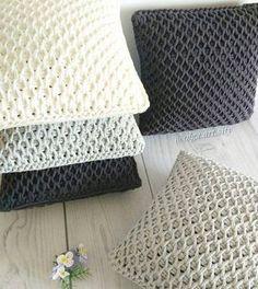 Resultado de imagem para almofadas de croche com fio de malha