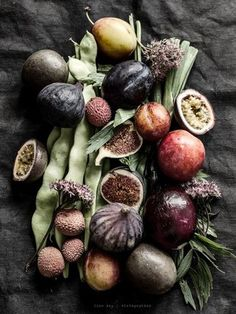 Food Inspiration Chiara Stella Home Fruit And Veg, Fruits And Vegetables, Dark Food Photography, Food Design, Food Pictures, Food Styling, Food Art, Food Inspiration, Healthy