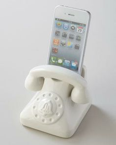 Jonathan Adler vintage inspired phone | http://mylusciouslife.com/retro-vintage-antique-phone-pictures/