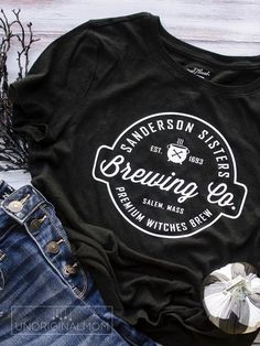Are you a fan of Hocus Pocus? Use this Sanderson Sisters Brewery cut file to whip up a quick reverse canvas Hocus Pocus Halloween Sign or t-shirt! Halloween Signs, Halloween Shirt, Halloween Table, Halloween 2020, Halloween Ideas, Halloween Halloween, Vintage Halloween, Halloween Makeup, Halloween Costumes