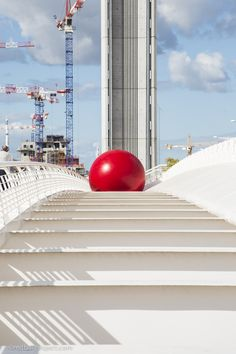 Pont Chaban Delmas, RedBall Bordeaux, Artist: Kurt Perschke, Photographer: Brittany Worgan #redballproject