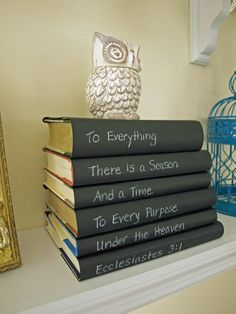 I love this idea!!! Faux Chalkboards These bookcovers might look like a chalkboard, but blogger Julie Ryan of Less Than Perfect Life of Bliss faked the look with black cardstock and a white chalk pen. The covers unify the stack of books and provide space for a favorite quote.