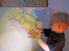 Creating colored shadows with light-love this set-up-Syrenen Töreboda Blog