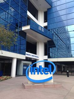 I work for Intel Marketing Digital, Author, Tech, Neuroscience, Emotional Intelligence, Thanks, Technology