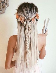 pinterest: camilleelyse Short hair, long hair, braids. Hair & Beauty inspiration blonde, bobs, buns, brunette, hair inspiration, hair styles, blonde hair, curly hair, hair style ideas.