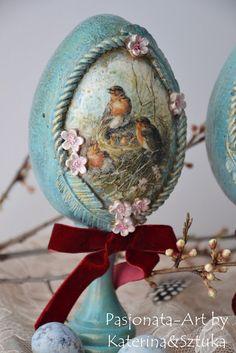 Easter Gift, Easter Crafts, Happy Easter, Egg Shell Art, Egg Designs, Egg Art, Easter Holidays, Victorian Christmas, Egg Decorating