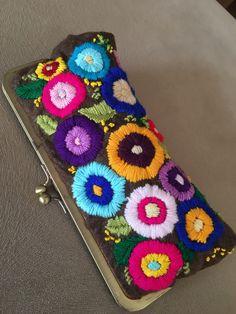 De Croche De Croche barbante De Croche com grafico De Croche de mao De Croche festa - Bolsa De Crochê Cushion Embroidery, Embroidery Purse, Hand Embroidery Stitches, Crewel Embroidery, Embroidery Patterns, Vintage Embroidery, Felt Patterns, Crochet Patterns, Diy Clutch