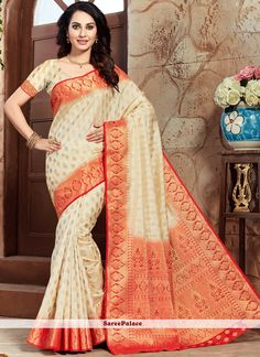 Add grace and charm for your appearance in this appealing cream art silk traditional designer saree. The ethnic weaving work to the dress adds a sign of attractiveness statement with your look. Indian Sarees Online, Red Saree, Special Occasion Outfits, Designer Sarees Online, Art Silk Sarees, Party Wear Sarees, Saree Blouse Designs, Saree Wedding, Indian Fashion
