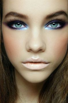 Dramatic Eyes with Blue Highlights and Nude Lipstick