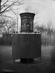 Une vespasienne | Histoire(s) de Paris
