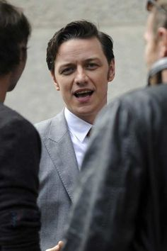 Trance - James McAvoy as Simon on set on Sept. 18, 2011.  Photo credit unknown - originally posted by SimplyJamesMcAvoy.com
