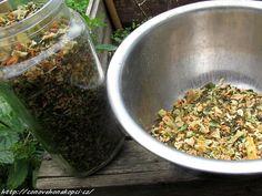 domácí vegeta Korn, How To Dry Basil, Herbs, Favorite Recipes, Homemade, Home Made, Herb, Hand Made, Medicinal Plants
