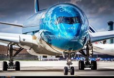Cheap Flight Only Deals. Vietnam Airlines, Commercial Plane, Commercial Aircraft, Airbus A380 Cockpit, Bomber Plane, Airplane Photography, Passenger Aircraft, Vintage Airplanes, Aircraft Design