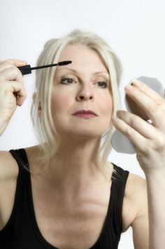 Detailed Makeup Tips for Older Women