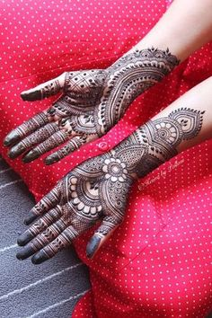 Tattoo & Pakistani Mehndi Designs 2017 you can try at home. High quality pictures of Pakistani Mehndi designs and guide to buy online. Palm Mehndi Design, Full Mehndi Designs, Mehandhi Designs, Indian Mehndi Designs, Latest Bridal Mehndi Designs, Mehndi Design Pictures, Mehndi Designs For Girls, Wedding Mehndi Designs, Beautiful Henna Designs