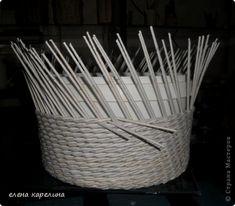НОВАЯ ОВАЛЬНАЯ КОРЗИНА.Плетение тремя трубочками на косых стойках