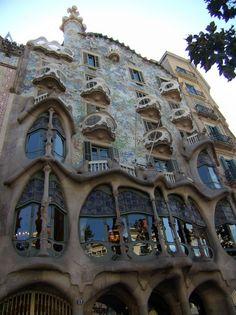 umut ışığım!   Casa Batlló - originally built 1877, Gaudi