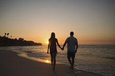 When is it time to call a long distance mover? Read one couple's romantic love story that brought them to trust in a long distance mover and be together. Romantic Moments, Romantic Couples, Happy Friendship Day Picture, Moving Across Country, Beach Scene Painting, Couple Holding Hands, Romantic Paintings, Couples Walking, Dream Beach Houses