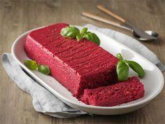 Pehmeä punajuuripatee maistuu alkuruokana tai buffetpöydässä.