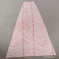 DIY Kids teepee - cut one panel in half to make door Diy Kids Teepee, Diy Teepee, Diy Tent, Teepee Tent, Teepees, Play Tents, Crafts To Do, Hobbies And Crafts, Toddler Rooms
