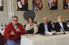 La presentazione del libro fotografico di Oliviero Toscani prima del taglio del nastro di #AnteprimaLucca