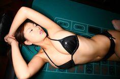 グラビアアイドル 松本さゆきさんのムッチリした太ももがエロい網タイツ姿の画像の記事画像31