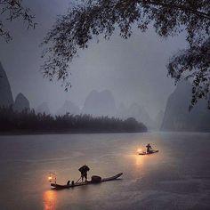 Río Li, China #li #río #China http://www.pandabuzz.com/es/imagen-ensueno-del-dia/li-río-china-noche