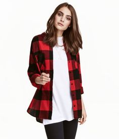 Shirt in woven plaid flannel made from organic cotton. Two chest pockets and gently rounded hem. Slightly longer at back. Plaid Outfits, Indie Outfits, Cute Outfits, Red Flannel Shirt, Coton Bio, Sustainable Clothing, Online Fashion Stores, Affordable Fashion, Club Dresses