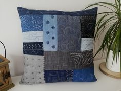 Throw Pillows, Quilts, Blanket, Bed, Home Decor, Scrappy Quilts, Toss Pillows, Decoration Home, Cushions
