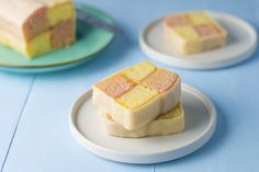 A Battenberg cake is not only pretty to look at, but it also tastes good too. It's easier to make than it looks and well worth the effort. No Bake Treats, No Bake Desserts, Baking Recipes, Cake Recipes, Tea Recipes, British Desserts, British Recipes, Lamb Dinner, Dinner Menu