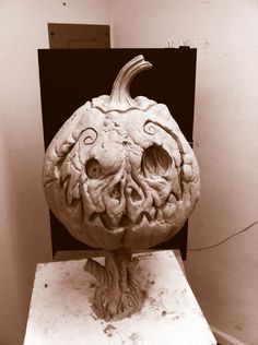 Spooky Pumpkin prop sculpture For Abominations by Fright Catalog W.D clay November, 2011 Jack O Lantern Halloween Clay, Outdoor Halloween, Halloween Projects, Diy Halloween Decorations, Halloween Pumpkins, Fall Halloween, Halloween 2020, Creepy Pumpkin, Lantern Tattoo