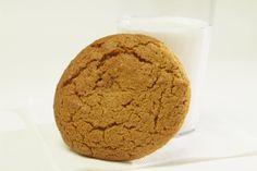 Doublons_a_la_melasse Muffins, Glass Of Milk, Cookies, Breakfast, Desserts, Recipes, Menu, Flat Cakes, Whole Wheat Flour